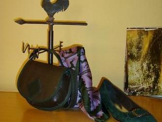 Taschen, Schuhe und Tücher